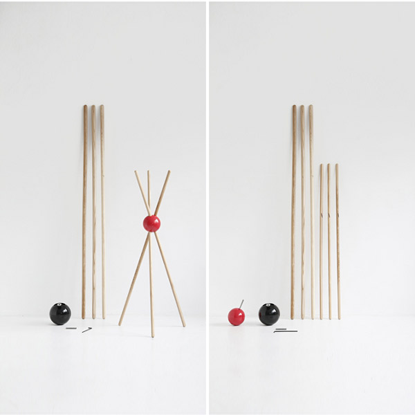 lock porte manteaux sur pied design orange design from. Black Bedroom Furniture Sets. Home Design Ideas