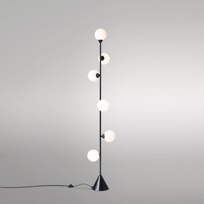 Atelier-areti-lampadaire-vertical-globe-design-from-paris