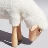 2773-mouton-blanc-qui-broute