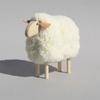 petit-mouton-blanc-fourrure