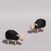 Mouton miniature design noir en bois