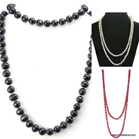 COLLIER LONG DE PERLES NOIRES BLANCHES ROUGES