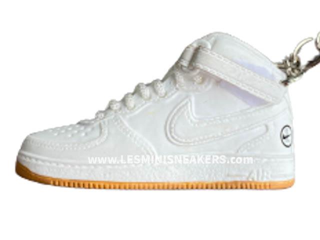 Porte clés sneakers Air Force 1 haute white gum