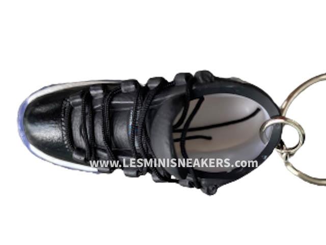 Porte clés sneakers Air Jordan 11 - Space Jam