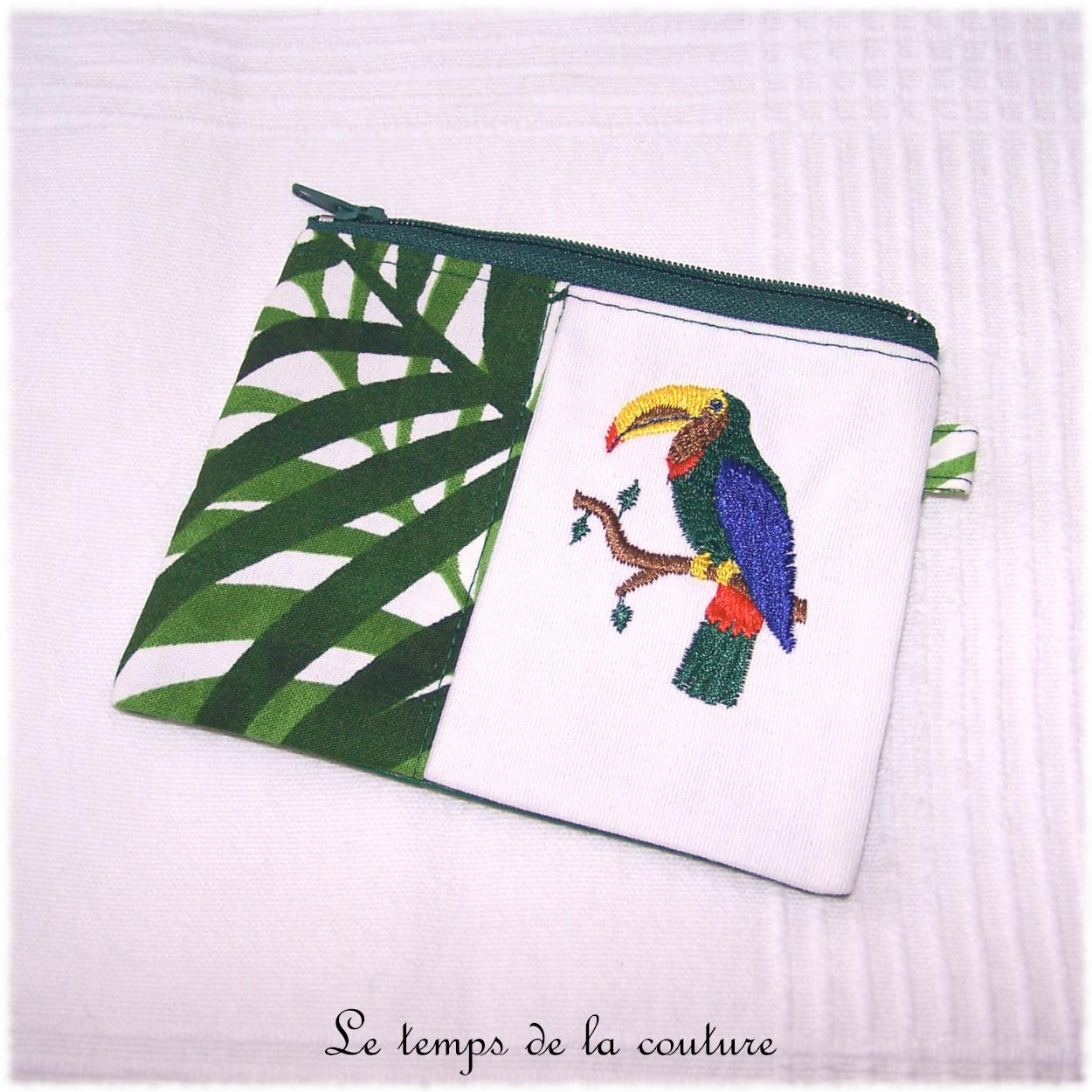 Porte monnaie motif toucan exotique tons vert et multicolore