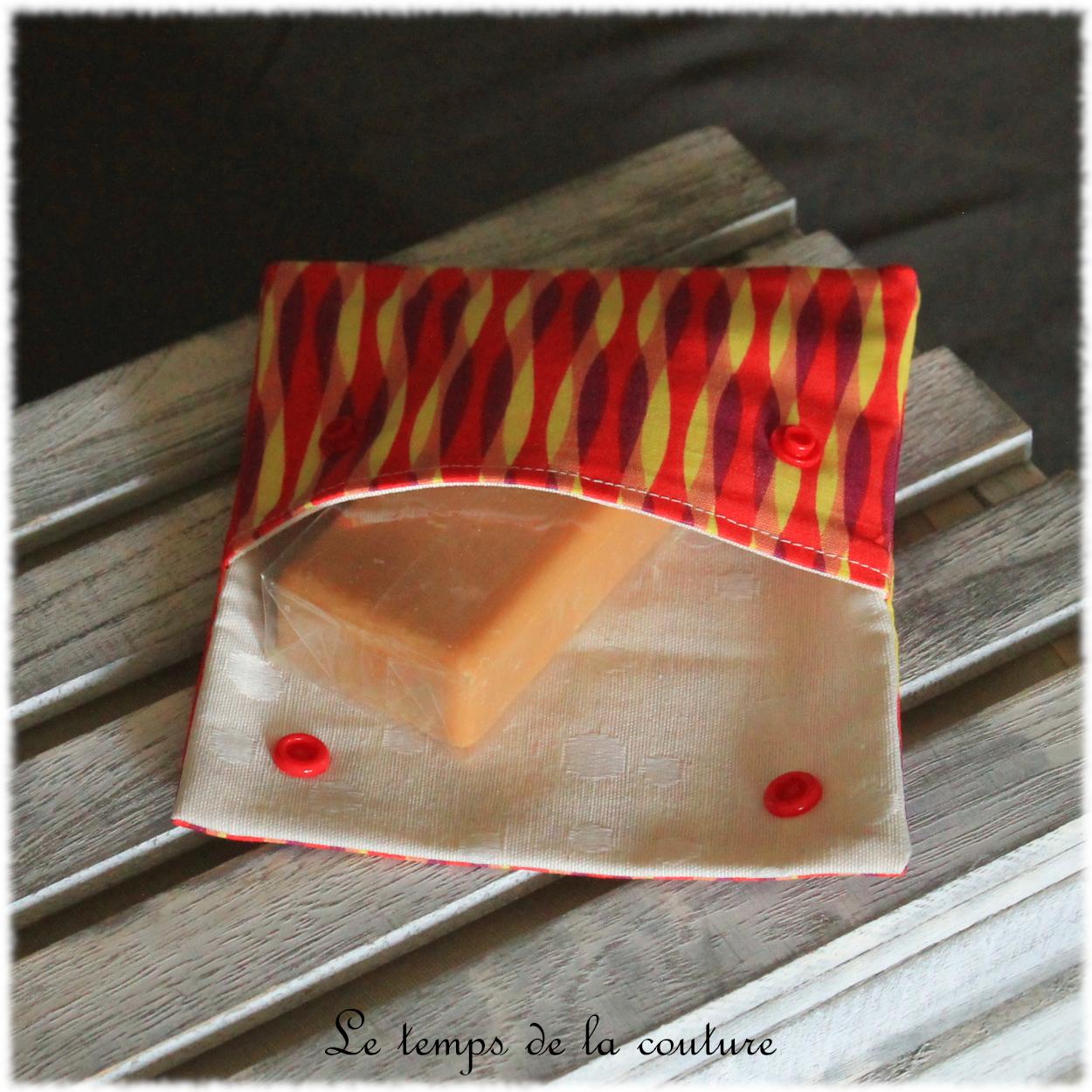 Pochette à savon motifs géométrique tons multicolore orange jaune rouge et violet