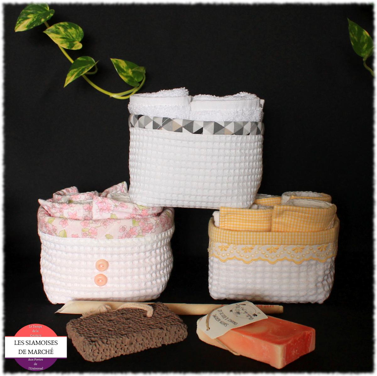 Coffret Belle et Zen : un set serviettes d\'invité et un lot de produits de beauté naturels