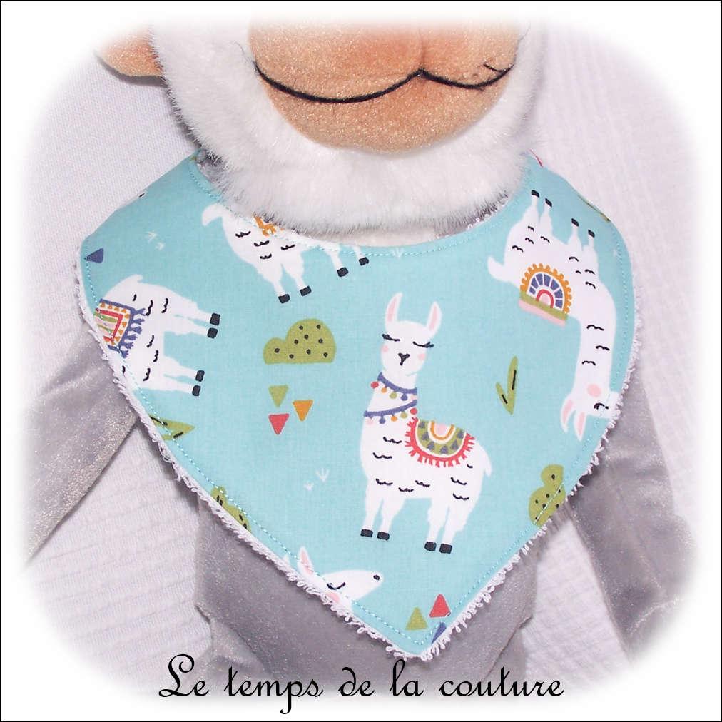 Bavoir bandana pour bébé, motifs lama, tons bleu vert d\'eau
