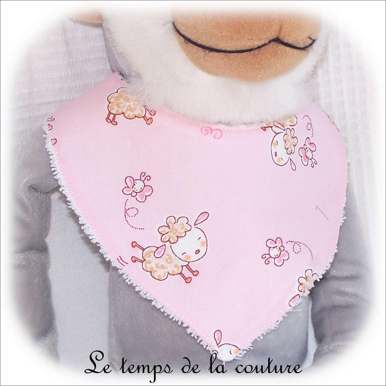 Bavoir bandana pour bébé, motif mouton tons rose