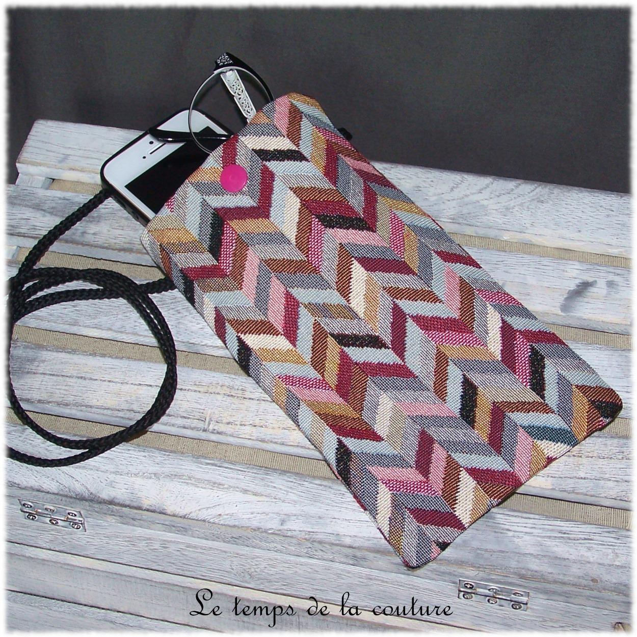 Pochette bandoulière téléphone ou lunette tons multicolore et rose