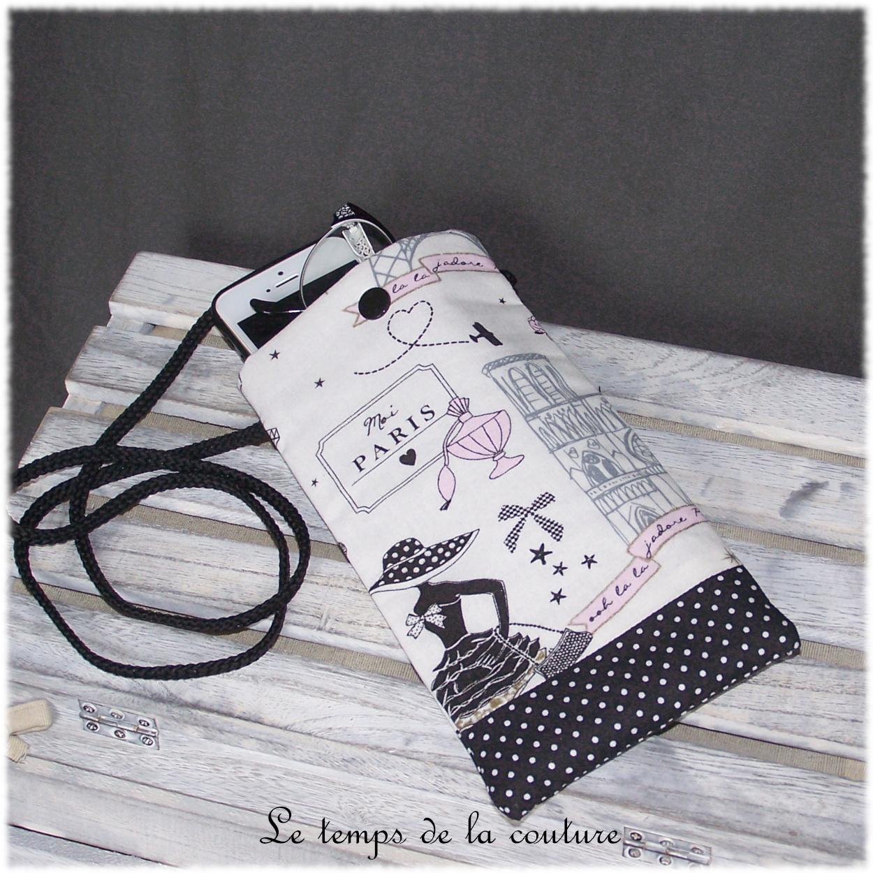 Pochette bandoulière téléphone ou lunette tons noir et blanc motif parisienne