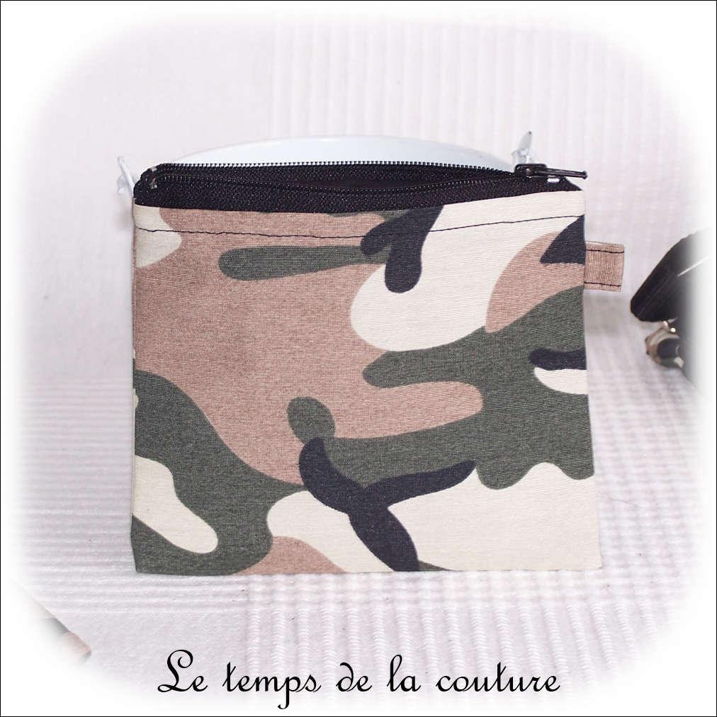 Porte monnaie motif camouflage militaire tons noir marron kaki
