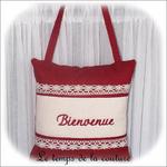 Coussin porte - Carré - rouge unie dentelle bienvenue01 - GFC
