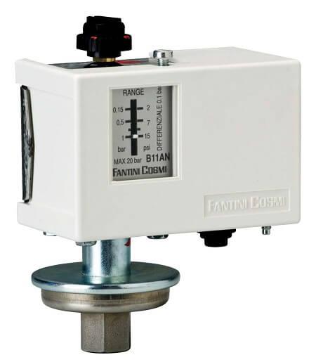Pressostats, vacuostats et hydrostats de réglage jusqu'à 10 bar