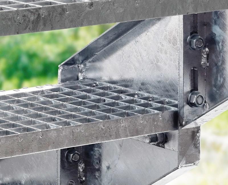 Escalier d 39 ext rieur en acier galvanis steinhaus chemnitz for Escalier exterieur acier galvanise prix