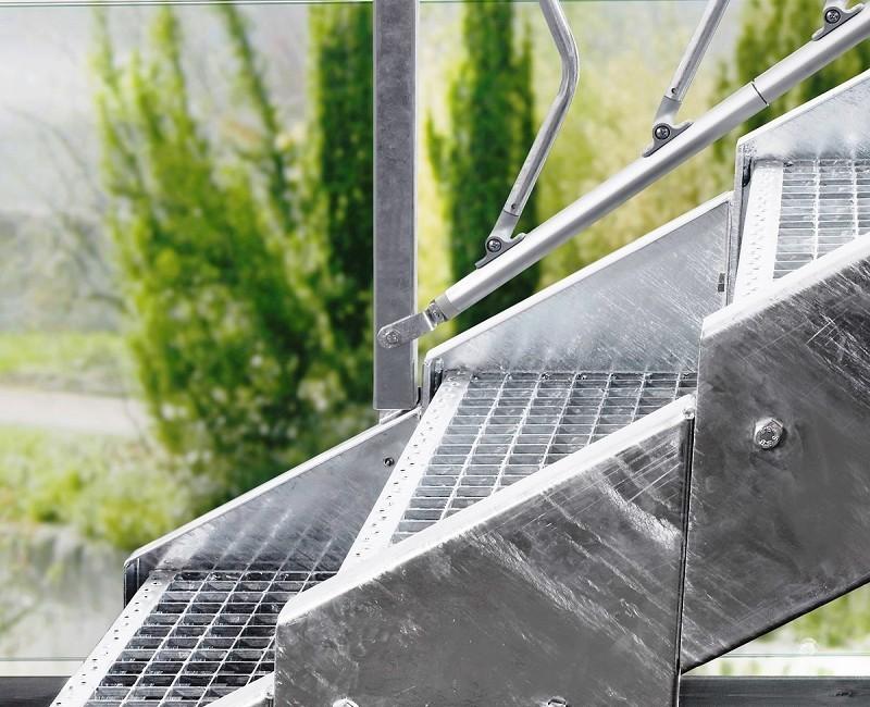 Escalier d 39 ext rieur en acier galvanis steinhaus chemnitz for Escalier exterieur galvanise