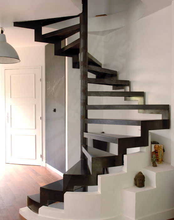 Le top 15 des escaliers en colima on originaux et design for Amenager un escalier interieur