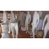 Lot important mannequins homme pour magasin (4)