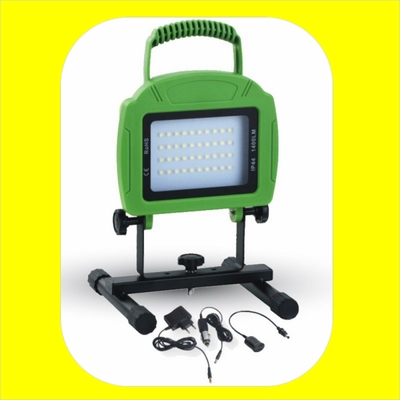 PROJECTEUR LED PORTABLE V-TAC 20W IP44 VERT VT-4822