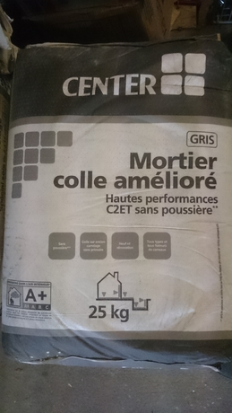 Joint carrelage mortier colle ragr age center parexlanko for Carrelage sans joint ni colle