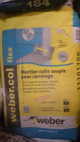 Joint carrelage mortier colle ragr age center parexlanko - Colle carrelage flex ...