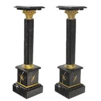 Paire de colonnes en marbre noir style Empire Chamilly