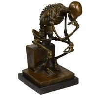Statue en bronze de squelette penseur 25 cm