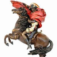 Statue en bronze peint Napoléon sur son cheval Marengo 32 cm