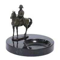 Cendrier en marbre noir avec statue de Napoléon en bronze