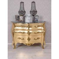 Commode baroque galbée en hêtre doré Pompadour