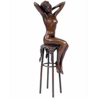 Statue en bronze femme nue sur un tabouret de bar 26 cm