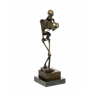 Statue-bronze-squelette