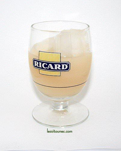 verre ricard plein