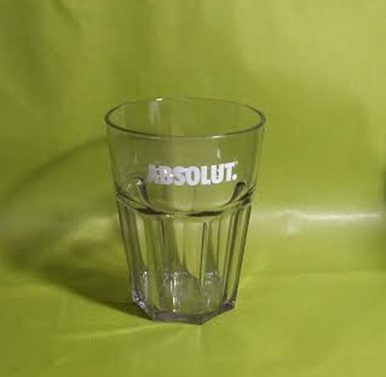 verre plastique dur absolut vodka verre vodka verre absolut leszitounes. Black Bedroom Furniture Sets. Home Design Ideas