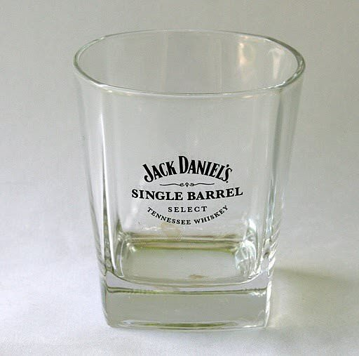 table basse en verre jack daniels. Black Bedroom Furniture Sets. Home Design Ideas
