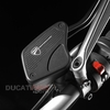 caches-reservoir-frein-diavel-ducati-performance-96800210a-bf