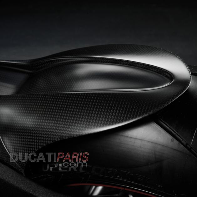 garde-boue-arrière-carbone-ducati-performance-hypermotard-821-bf
