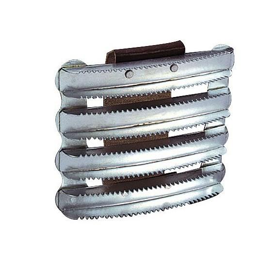 Étrille métallique carrée