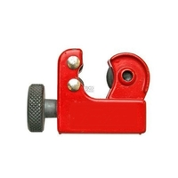 Mini coupe tube pour tuyau de freins