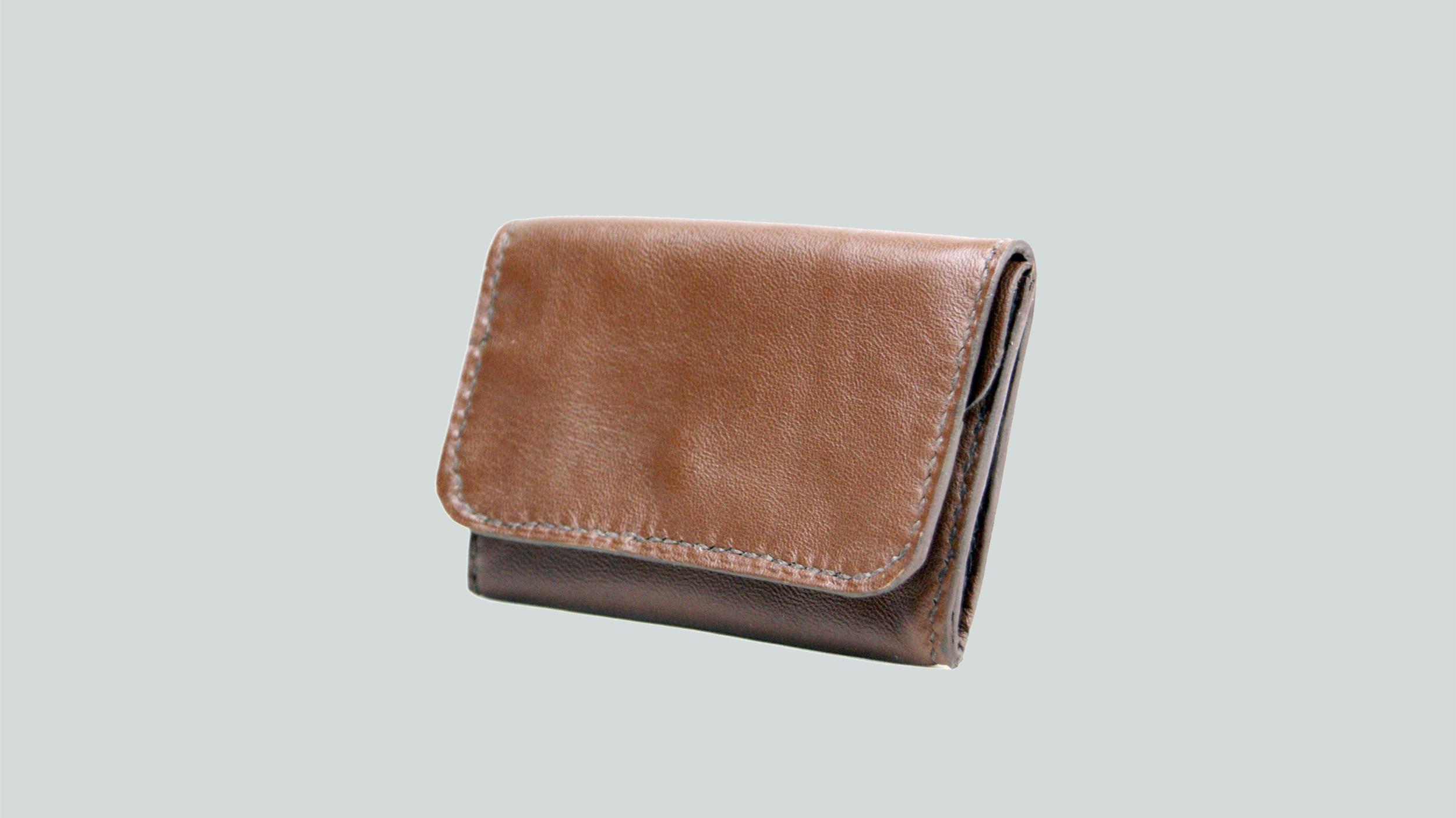 KULA KANGRI, porte monnaie en cuir de veau noisette