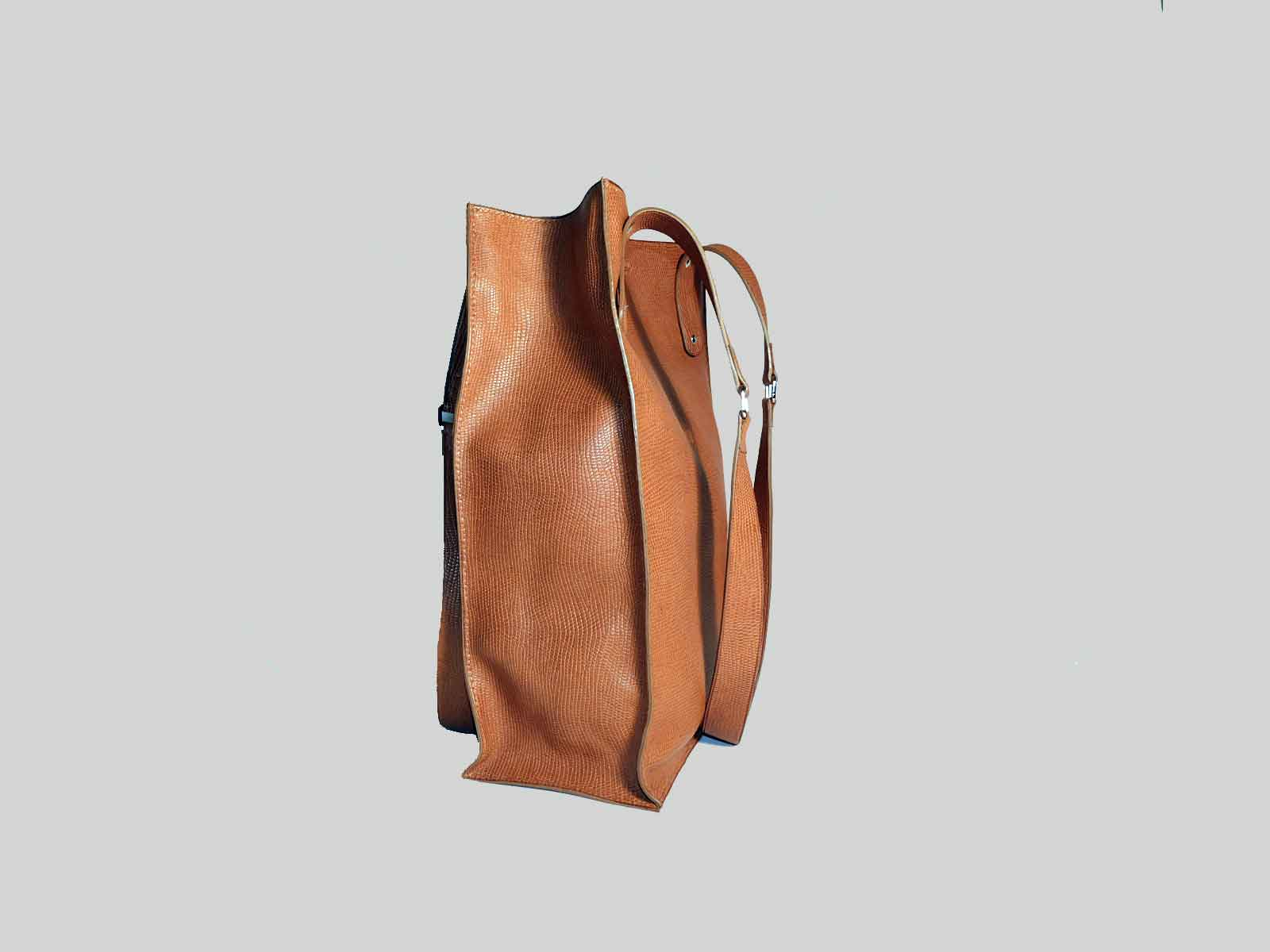 KAMET 3.0 sac shopping en cuir de veau façon reptile fauve