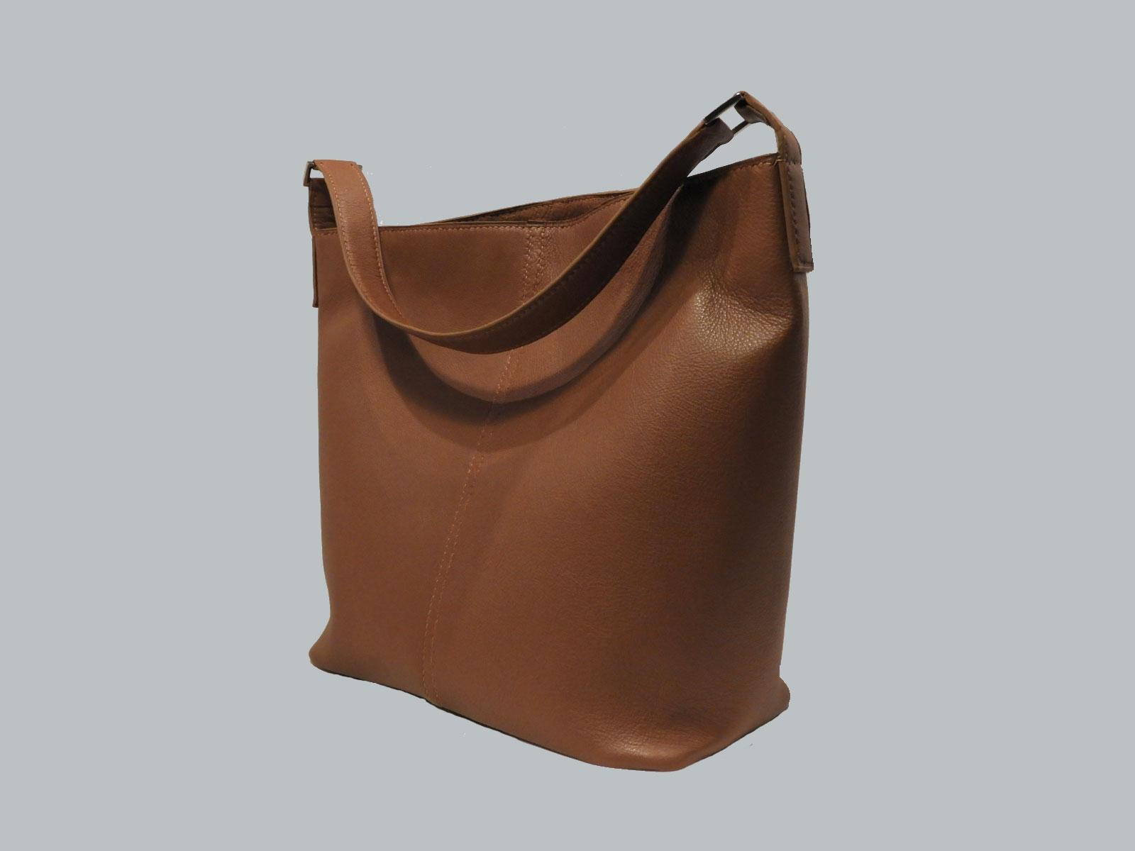 SIBUYAN, sac porté épaule en cuir de veau fauve