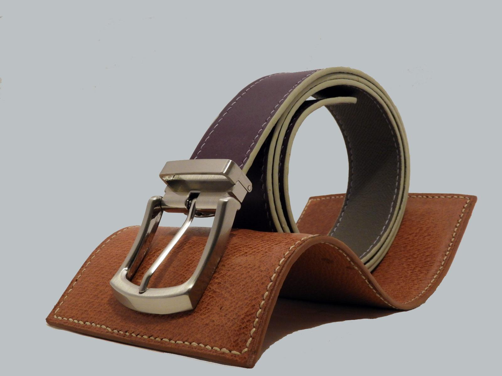 SHILLONG, ceinture réversible en cuir de veau lisse violet et grainé gris