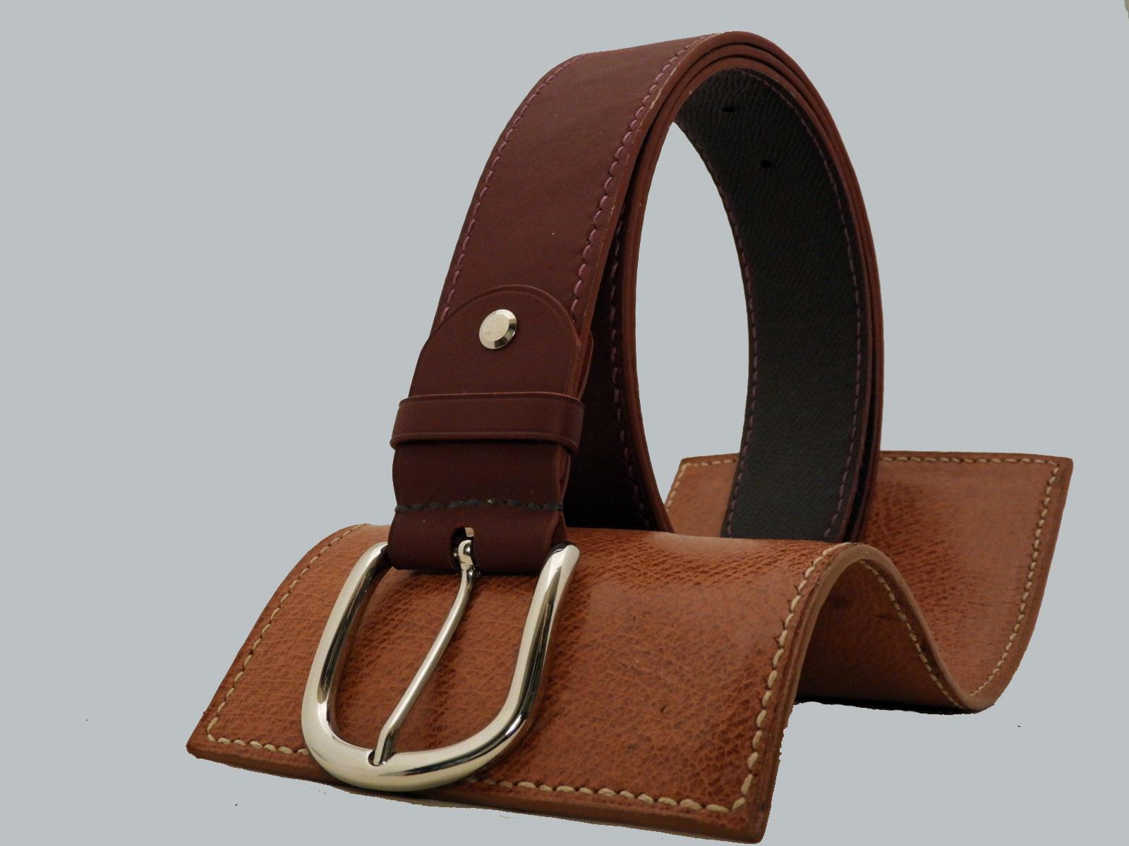 SHILLONG, ceinture en cuir de veau lisse lie de vin & grainé chocolat