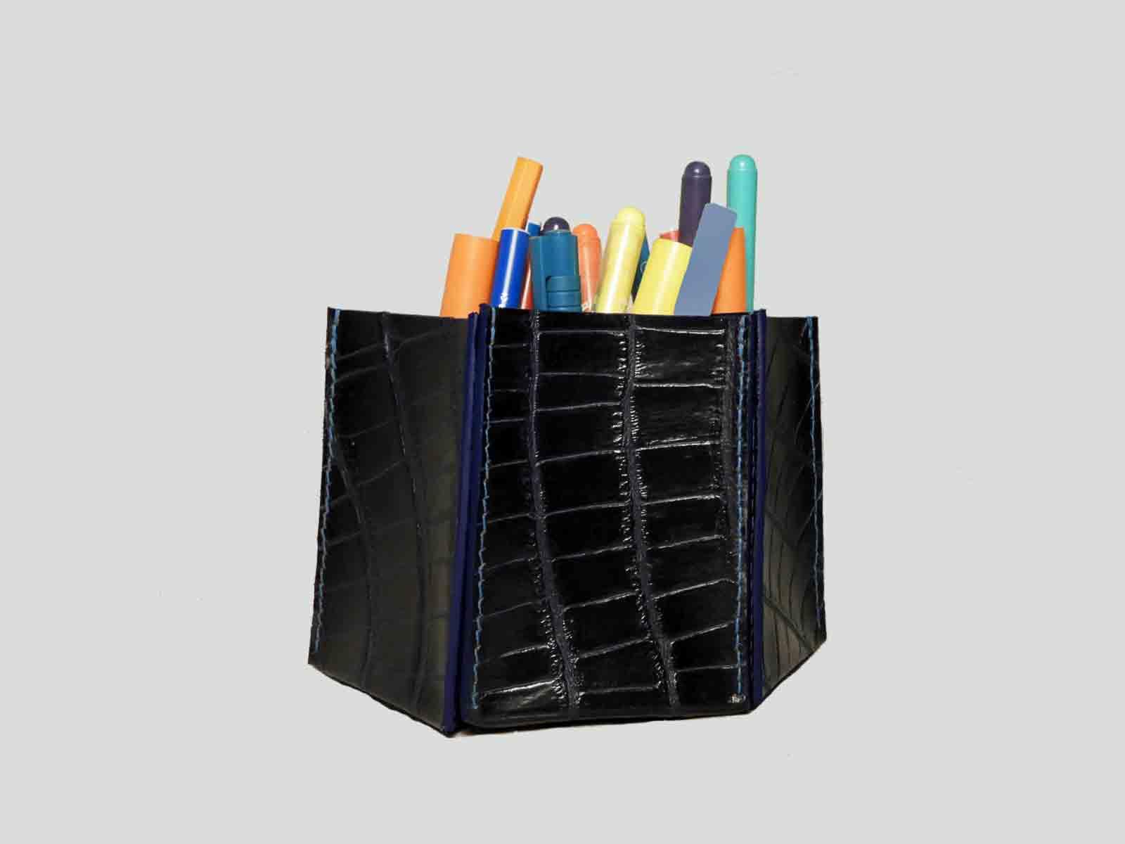 IROISE, pot à crayons en cuir de vachette façon reptile