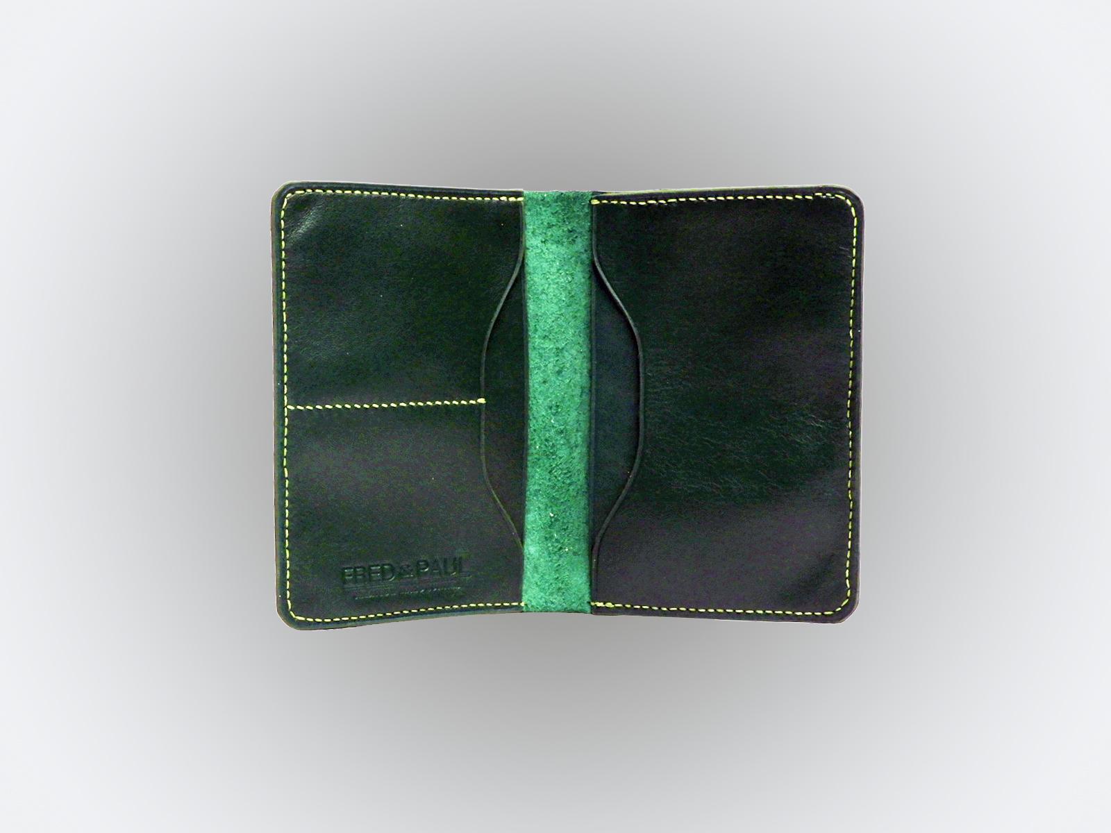 BALI, protège passeport en cuir de veau vert bouteille