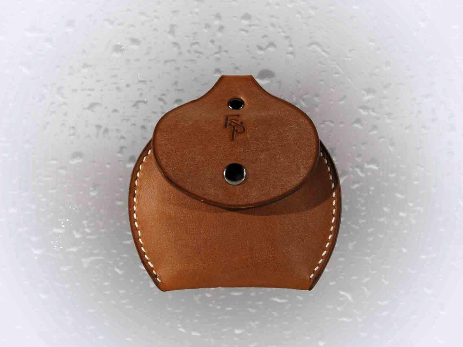 ALBERTINE, étui et miroir de sac en cuir de veau cacao