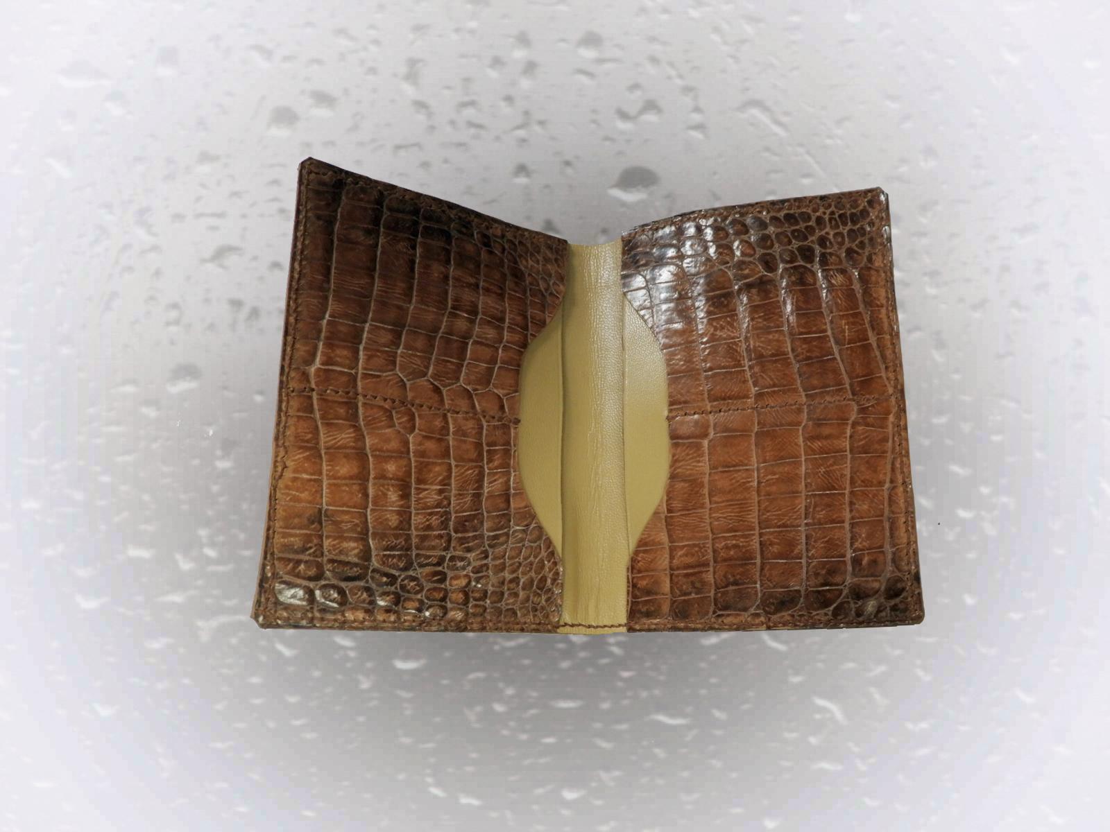AMAKUSA portefeuilles en cuir de veau et reptile