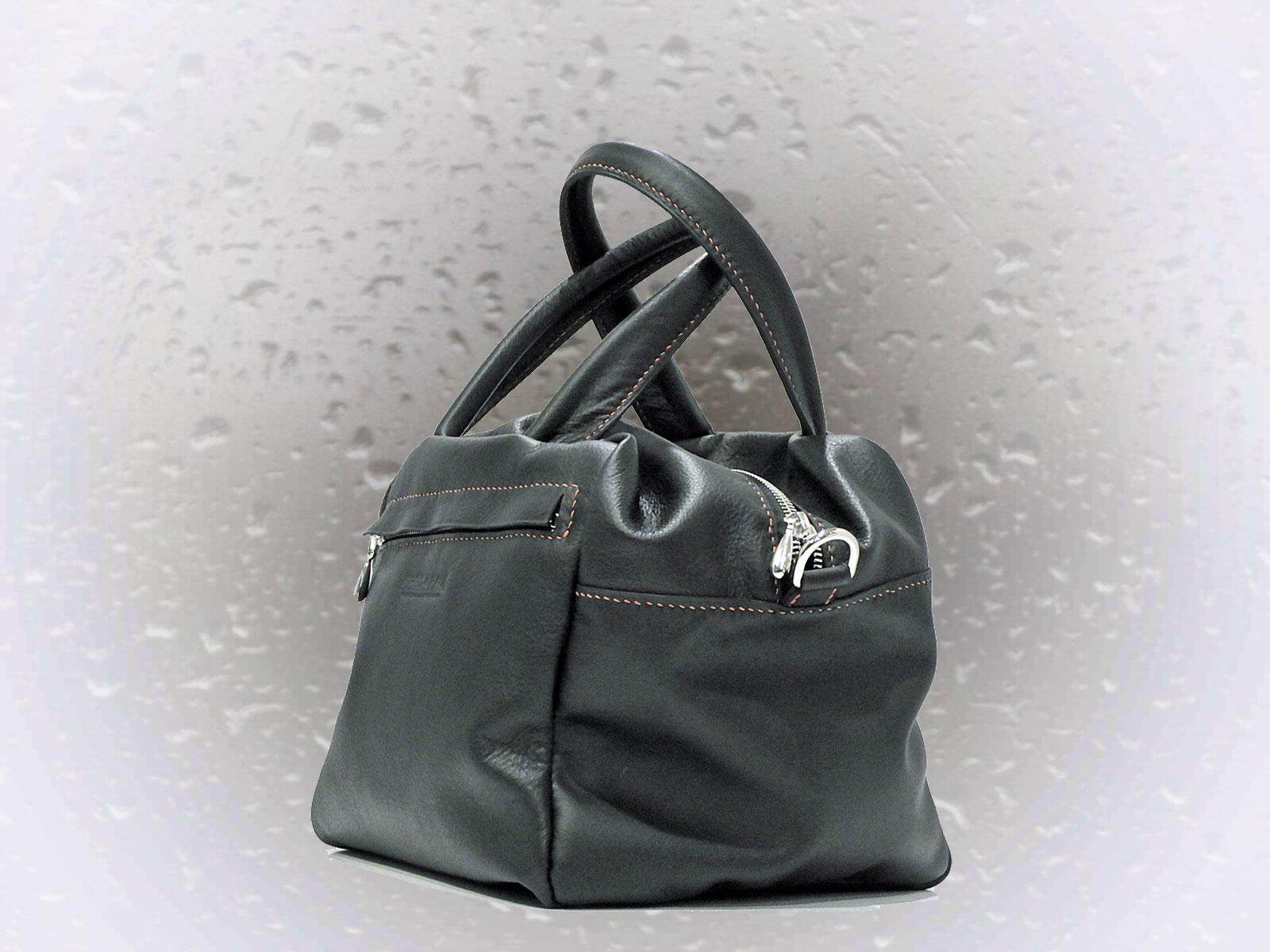 ODISHA, sac porté main ou croisé en cuir de veau noir