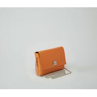 DHAULAGIRI sac bandoulière à chaine en cuir de chèvre métallisé verni orange